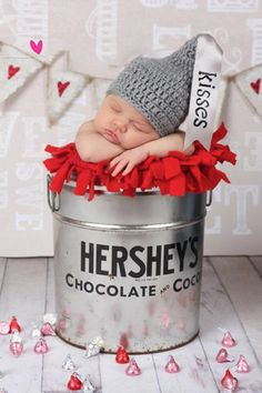 So adorable! Poor Levi is gonna hate me with all the cute picture ideas!!