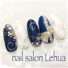Holiday nails in navy and winter white Nail Art Noel, Xmas Nail Art, Xmas Nails, Winter Nail Art, Holiday Nails, Winter Nails, Christmas Nails, Pearl Nails, Gem Nails