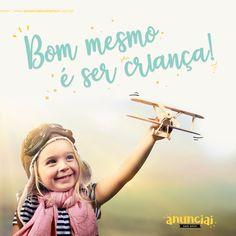 Bom mesmo... É ser criança! É ver que a vida, apesar de difícil, pode tornar-se fácil com um simples sorriso. ___  FELIZ DIA DAS CRIANÇAS! 12 de Outubro . . . . . . . #Diadascriancas #Sercrianca  #Parasemprecrianca #anunciaicomamor #anunciandoapalavra #ministeriodecriancas #ministerioinfantil Lettering, Wallpaper, Movies, Poster, Happy Smile, Motivational Messages, Flower Children, Happy Children's Day, Kids Ministry
