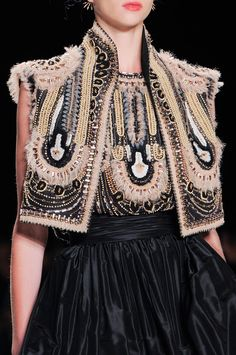 Naeem Khan / Spring 2014 / High Fashion / Ethnic & Oriental / Carpet & Kilim & Tiles & Prints & Embroidery Inspiration /