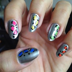 Nails of the week: silver with colourful leopard print