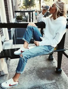 8c7bc41347d 16 Trendy Autumn Street Style Outfits For 2018