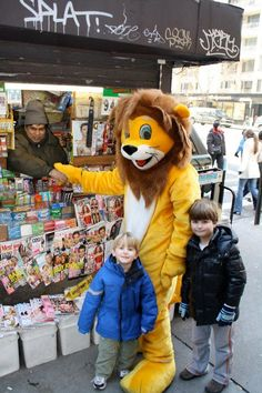 Some kids get picked up from school by Moms, Dads, Nannys but Max and Alex were greeted by Lion Max on his NYC Debut in 2008!