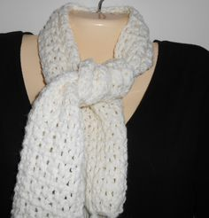 Off-white crocheted scarf with fringe//winter accessories//gift for her//Christmas gift by CrochetByTeresa on Etsy