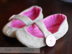 DYI baby shoes.  So adorable I could melt!
