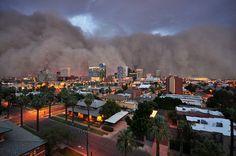 A monstrous dust storm (Haboob) roared through Phoenix, Arizona in July.
