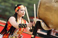 Taiko Performer   Flickr - Photo Sharing! Yukata, Beautiful Images, Most Beautiful, Samurai, Japanese Festival, Backdrop Decorations, Tomoe, Beautiful Places In The World, Japanese Fabric
