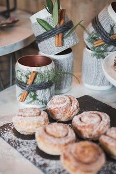 Copper Cups Wrapped in Wool and Garnished with Cinnamon Stick - 16 Winter Wedding Decorations To Make Your Bridal Dreams Come True