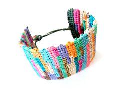 Senhandmade - Creating ''one-of-a-kind'' handmade designs Macrame Bracelets, Handmade Design, Friendship Bracelets, Handmade Jewelry, Jewels, Boho, Friendship, Bangle Bracelets, Bijoux