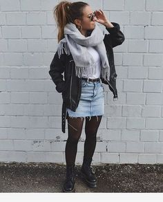 Winter Fashion Outfits 2020 – How can I look stylish in winter clothes? Casual Winter Outfits, Winter Fashion Outfits, Look Fashion, Autumn Winter Fashion, Trendy Outfits, Rock Fall Outfits, Skirt Outfits For Winter, Autumn Look, Winter Outfits 2019