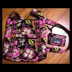 Vera Bradley Hipster Crossbody with ID wallet Gently used Vera Bradley Hipster crossbody with matching ID zip wallet. In perfect condition. Retail value ($60 for bag & $12 for Zip ID Case). Asking for $35 for both. Vera Bradley Bags Crossbody Bags