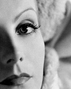 Грета Гарбо. Greta Garbo, 18 сентября 1905 — 15 апреля 1990), урождённая Грета Ловиса Густафссон.