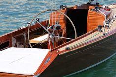 Schönes Wochenende: Die Lake 35 lädt zu herrlich verbummelten Stunden auf dem Königssee, wie der Starnberger See von Einheimischen genannt wird ein. Ganz gleich, ob es Wind hat, oder er vielleicht doch noch vorbei schaut. © Bootswerft Glas