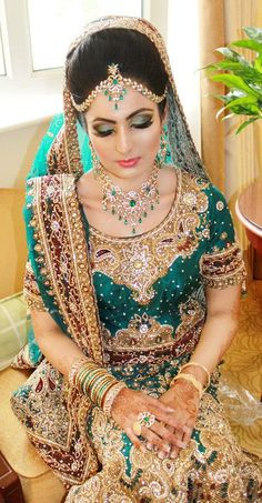 Indian Bride - dulhan a beautiful bride in blue Indian Bride Poses, Indian Bridal Photos, Indian Bridal Wear, Asian Bridal, Bride Indian, Bridal Pictures, Bridal Outfits, Bridal Dresses, Moda Indiana