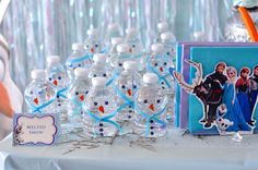 Cherry On Top Parties creates a magical Frozen Birthday Party for kids in the San Francisco Bay Area! Spectacular Frozen decorations, Frozen activities, Frozen favors!02
