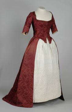 Robe a l'anglaise ca. 1770  From the Leeds Museum and Galleries  a touch a comfort of the 18th century