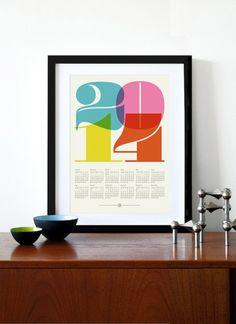 """Typografisch: Wandkalender """"Mid Century"""" von Yumalum"""