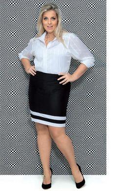 As listras horizontais vêm de forma pontual na barra da saia e dão charme extra ao visual. | Foto: Estúdio Escala