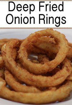 Easy Amazing Onion Rings Onion rings are really yummy a great substitute for french fries, or you could do a half french fry half onion ring plate! This recipe is really easy to make, if I can do it, you can do it. Onion Rings Fried, Beer Battered Onion Rings, Fried Onions Recipe, Baked Onions, Best Onion Ring Recipe, Easy Onion Rings Recipe, Onion Ring Batter, Homemade Onion Rings, Diy Onion Rings