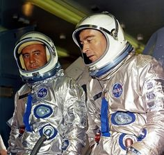 Gemini 3 - Astronauts Grissom and Young are launched from Complex 19 at Cape Kenendy on March Astronauts In Space, Nasa Astronauts, Gus Grissom, Project Gemini, Project Mercury, Space Hero, Nasa Missions, Kennedy Space Center, Vintage Space