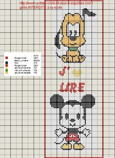 Voici un marque page à l'effigie de Michey et Pluto :