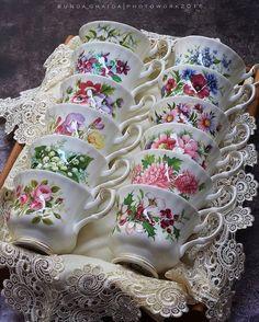 "katysflowersandantiques: "" Royal Albert - Flower of the month series - tea cups Source "" Vintage Dishes, Vintage China, Vintage Tea Cups, Tea Cup Display, Teapots And Cups, Teacups, China Tea Cups, My Cup Of Tea, China Patterns"