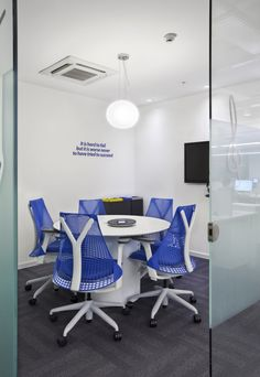Latin American e-commerce company Mercado Libre has recently moved their Uruguay offices into a new office space designed by Contract Workplaces.
