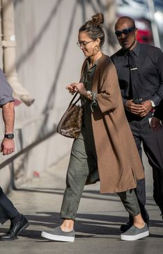 Jessica Alba Photos Photos - Jessica Alba is seen at 'Jimmy Kimmel Live' on March 7, 2017. - Jessica Alba Appears on 'Kimmel' Pinterest: KarinaCamerino