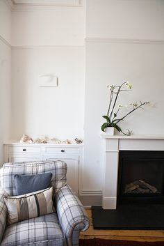 This is not MY living room but it is the COLOUR of my living room - painting complete! Thank you #FarrowAndBall Strong White!
