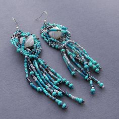 Turquoise freeform beaded earrings with agate  by Anabel27shop