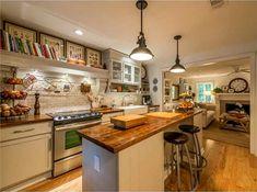 (LOVE the bookshelf above the stove) Condo for sale Torreya Way Marietta GA (11)