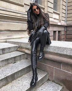 Gloves Fashion, Fashion Wear, Boy Fashion, Leather Leggings, Leather Gloves, Leather And Lace, Women's Gloves, Black Leather, Fashion Killa