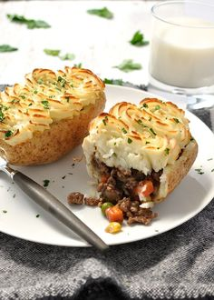 """Shepherd's Pie Potato Skins. This looks interesting but would probably try with vegan """"meat"""" or chicken"""