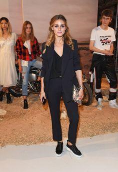 Sandra Bullock Has A Chic New Way To Wear Her Comfy Weekend T Shirt Lovely Ladies Pinterest Ashley Olsen Estilo Y Camisetas Para Mujeres