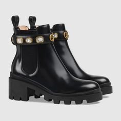 Leather ankle boot with belt - Leather Boots - Ideas of Leather Boots - Gucci Leather ankle boot with belt Detail 2 Gucci Fashion Show, Fashion Shoes, Fashion Top, Fashion Outfits, Black Leather Ankle Boots, Mid Calf Boots, Ankle Combat Boots, Botas Chelsea, Chelsea Boots