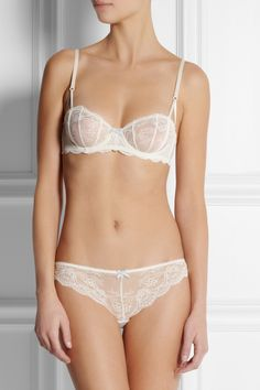 Elle Macpherson Intimates | Committed Love lace soft-cup bra | NET-A-PORTER.COM