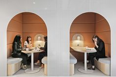 Office Tour: Scottish Pacific Business Finance Offices – Sydney – Design is art Corporate Interiors, Office Interiors, Office Pods, Tiny Office, Flexible Furniture, Office Lounge, Office Seating, Booth Seating, Workplace Design