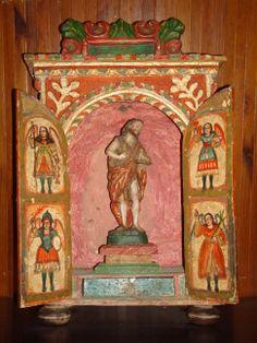 """Nicho limosnero """"San Juan Bautista"""" con talla.Colonial ecuatoriano finales sg. XVIII Puertas 4 Arcángeles.Med: 37X57X20 cms."""