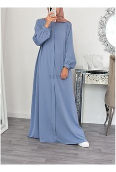 Modest Fashion Hijab, Abaya Fashion, Muslim Fashion, Girls Fashion Clothes, Sewing Clothes Women, Fashion Outfits, Mode Abaya, Mode Hijab, Muslim Long Dress