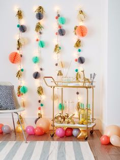 26 Unique Holiday Decor Ideas for Christmas Lights via Brit + Co Diy Christmas Lights, Christmas Crafts To Make, Holiday Lights, Diy Party, Party Ideas, String Lights, Twinkle Lights, Decorating Your Home, Decorating Ideas