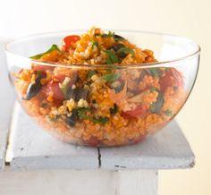 Rezept für Tomaten-Bulgur bei Essen und Trinken. Ein Rezept für 2 Personen. Und weitere Rezepte in den Kategorien Gemüse, Getreide, Gewürze, Kräuter, Vorspeise, Hauptspeise, Beilage, Party, Kinderrezepte, Salate, Dünsten, Kochen, Einfach, Gut vorzubereiten, Schnell, Vegetarisch, Vegan.