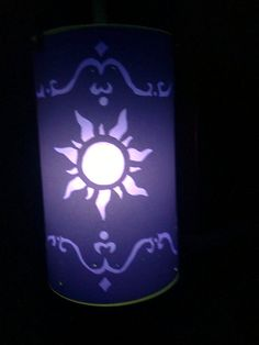 Tangled lantern lit up :D Tangled Rapunzel, Disney Tangled, I Saw The Light, Light Up, Tangled Lanterns, Disney Bedrooms, Just Letting You Know, Best Love Stories, Mother And Father
