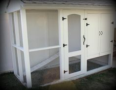 If I ever think about getting chickens, I want this chicken coop.