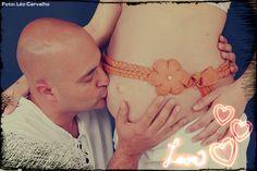 Eu e com minha esposa grávida da Alice. (Me and my wife pregnant with Alice.)