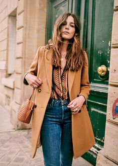 French Girl Style, My Style, Pantone, Moving To North Carolina, Moda Boho, Girl Fashion, Womens Fashion, Fashion 2020, Fashion Looks