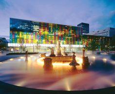 Montréal Convention Center (Palais des congrès de Montréal). More photos: http://chennibus.com/montreal-convention-center-palais-des-congres-de-montreal/
