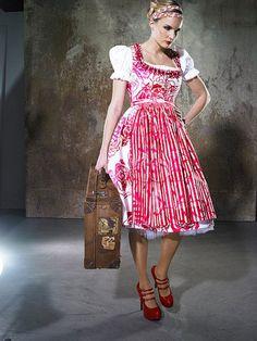 Sonja Fellner Dirndl Couture #Dirndl #Tracht #Designerdirndl #Dirndlcouture