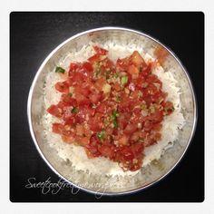 Une tomate c'est bon même comme ça, avec un peu de sel et un filet d'huile d'olive. Après, c'est sur une fois qu'on s'occupe d'un blog on essaye de mettre … Recipies, Curry, Food And Drink, Cooking, Kitchen, Comme, Bruchetta, Blog, Madagascar