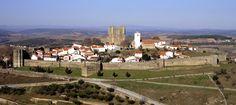 Además de Puebla de Sanabria, existen otros pueblos que merece la pena visitar en la comarca, como El Puente (centro comercial de la zona gracias a su mercado semanal) así como un gran número de aldeas, casi despobladas, que guardan un encanto rural especial. A solo 42 kilómetros del Parador de Sanabria, además, tenemos Bragança, una de las ciudades más bellas del norte de Portugal, con un castillo del siglo XII sencillamente espectacular.