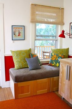 DIY: Using IKEA Cabinets for a Kitchen Storage Bench | To do to make a day bed/reading corner